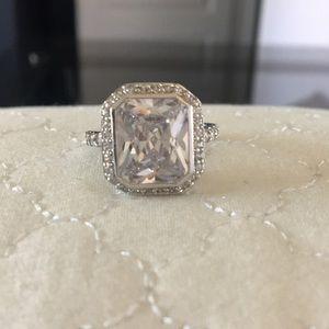 Jewelry - Diamond ring… Faux stones